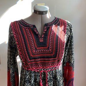 Beautiful Sahalie boho knit embroidered dress, M